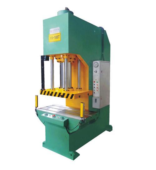 四柱油压机液压阀的连接